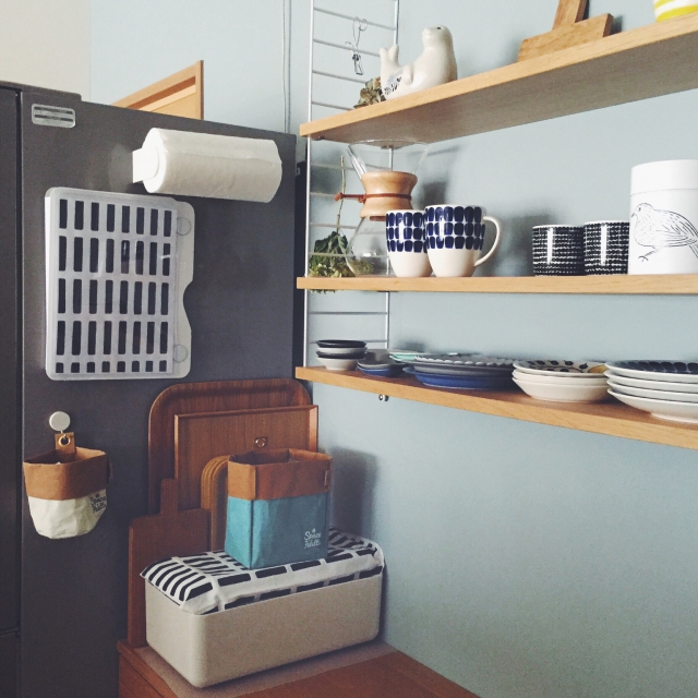 『入れるだけ』でキッチンの印象大幅UP!誰でもできる隠す収納術 by Emi [連載:○○しただけインテリア]