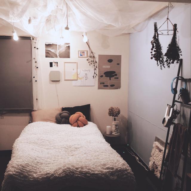コンパクトでも快適♪小さなベッドルームを安らぎの空間に