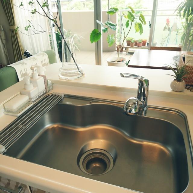 気軽にきれいに!キッチンの排水口の掃除術&お助けグッズ