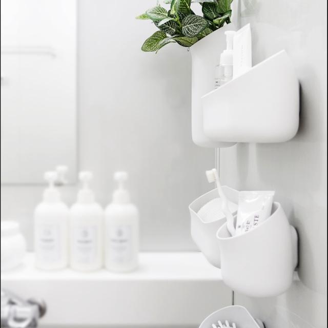 衛生的で機能性も抜群!すぐ真似できる、浴室掃除道具収納アイディア4選 [まとめ人: KOTTAROさん]