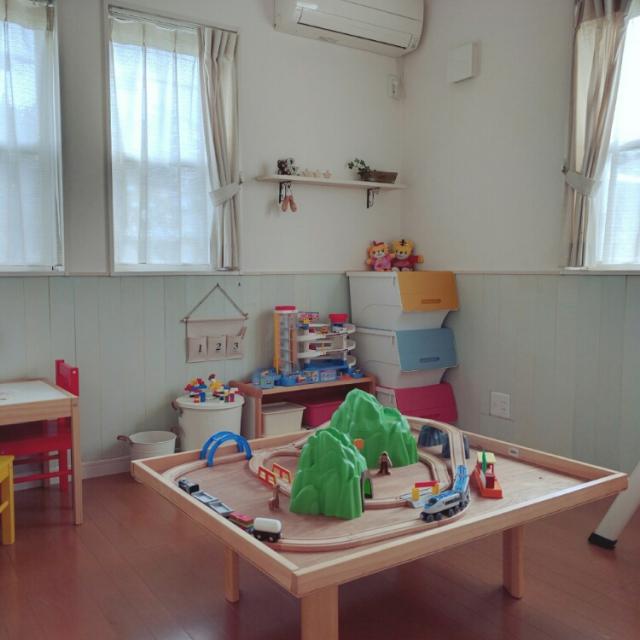 子どもより、実は大人が嬉しい!?kokkomachaさんのプラレール専用テーブル