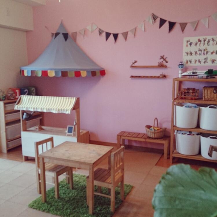 女性で、、家族住まいのおままごとキッチン/子供部屋/キッズスペース/フラッグガーランド/DIY…などについてのインテリア実例を紹介。