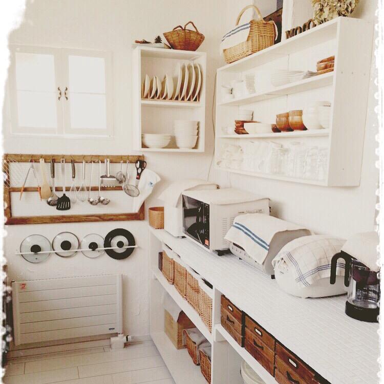 収納力アップは壁面収納にあり!DIYでつくる壁面収納アイディア | RoomClip mag | 暮らしとインテリアのwebマガジン