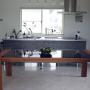 Kitchen/照明/食器/テーブル/カフェ風/北欧/モノトーン/アイランドキッチン/男前/ホテルライクに関連する部屋のインテリア実例