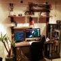 On Walls/DIY/一人暮らし/エアプランツ/ガラクタ/男前/パソコンデスクDIY/アイアンウッド/ワイヤー照明に関連する部屋のインテリア実例