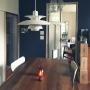 My Desk/観葉植物/ドア/アンティーク/ランタン/スイッチ/アンティークドア/エバーフレッシュ/黒板塗料/PH5/リノベーション/壁紙屋本舗/ワイン箱棚/ひとりがけソファ/レトロ 建具に関連する部屋のインテリア実例
