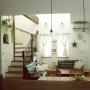 Lounge/照明/階段/一軒家/無垢床/リビング階段/イベント参加中/フラワーホームに関連する部屋のインテリア実例