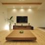 照明/テレビ/リビング/スピーカー/LED/BOSE/シャープ/広松木工/壁掛けテレビ/自然素材/杉の床/広松木工TVボード/60型テレビ/広松木工ローテーブルに関連する部屋のインテリア実例