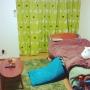 ムーミン/一人暮らし/北欧/1K/ニッセン/ウォルナット/シャギーラグ/花柄カーテン/6畳ワンルーム/緑ラグ/ポトラクッションに関連する部屋のインテリア実例