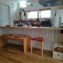 Kitchen/無印良品/モビール/100均/タイル/ベンチ/ニトリ/ホワイト/板壁風/リメイクシート/トランスパレント/コラベル/名古屋モザイクタイルに関連する部屋のインテリア実例