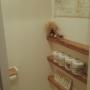 女性で、2LDK、家族住まいのつっぱり棒棚/トイレットペーパー収納/1×4材/つっぱり棒/DIY/salut!…などについてのインテリア実例を紹介。