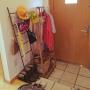 Entrance/ナチュラル/ハンガーラック/傘立て/木製ドア/ミナペルホネン/北欧インテリア/ラダーラック/マイホーム/mina perhonen/白壁/北欧テイスト/ミナペルホネンのマットに関連する部屋のインテリア実例
