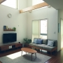 Lounge/無印良品/北欧/ナチュラルインテリア/北欧インテリア/吹き抜けリビング/ブログ更新しました♡/無印良品 壁に付けられる家具/生活感をなくしたい/unico /こどもと暮らす。/かわりばえしない投稿すみません。/定点観測/キルティングラグに関連する部屋のインテリア実例