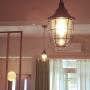 On Walls/照明/カフェ風に関連する部屋のインテリア実例