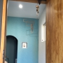 Entrance/モビール/アクセントクロス/北欧/土間収納/シューズクローゼットに関連する部屋のインテリア実例