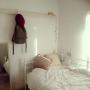Bedroom/無印良品/ナチュラル/ワンルーム/ポストカード/一人暮らし/salut!/シンプル/ホワイトインテリア/賃貸/デイベッド/nissen/アイアンベッド/進化中/塩系インテリアに憧れるに関連する部屋のインテリア実例