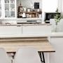 女性で、3LDK、家族住まいのカフェ風キッチン/ユーカリ/DIY/収納箱/イームズチェァ/鉄脚…などについてのインテリア実例を紹介。