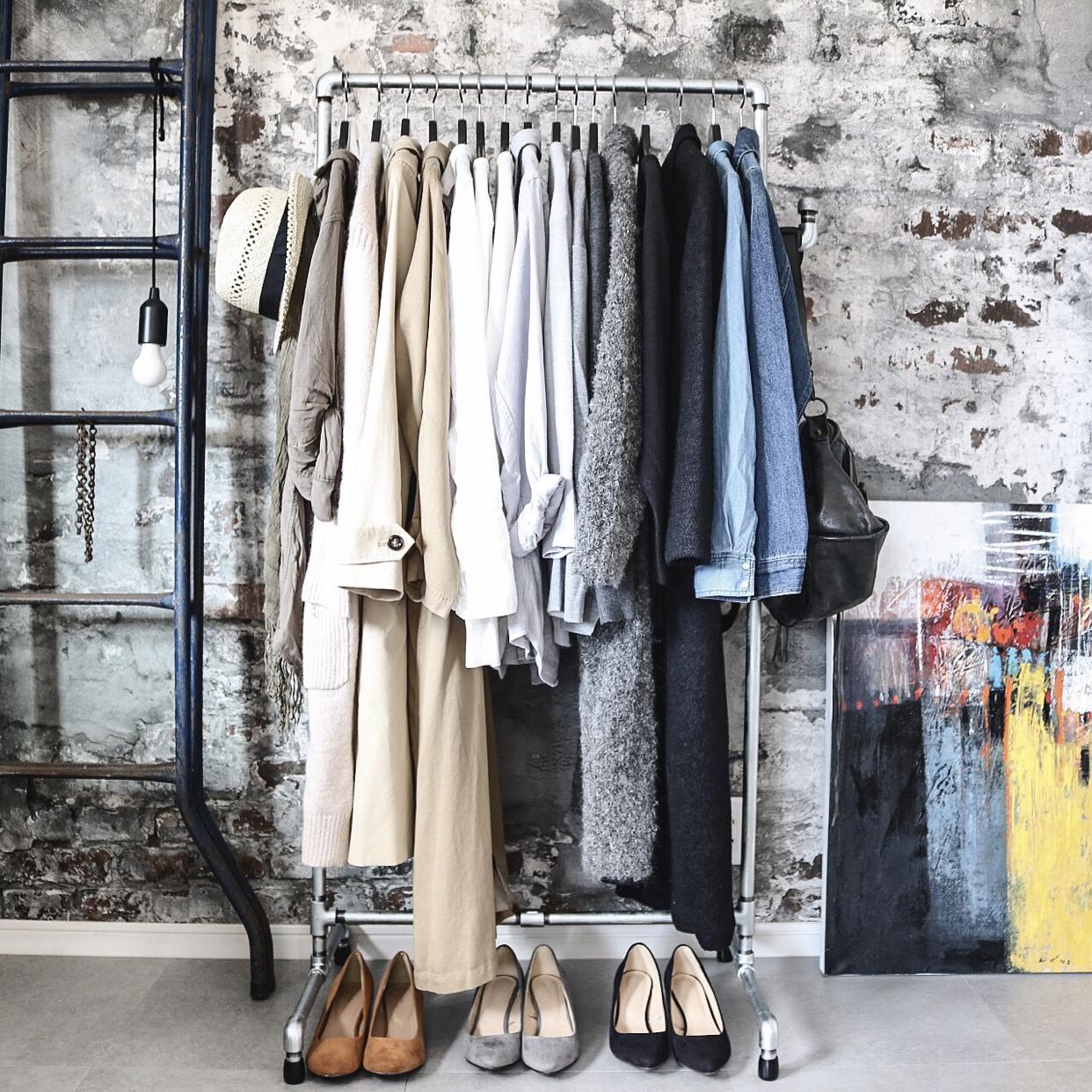 ぜひ取り入れたい☆服をオシャレに見せる収納術! | RoomClip mag | 暮らしとインテリアのwebマガジン