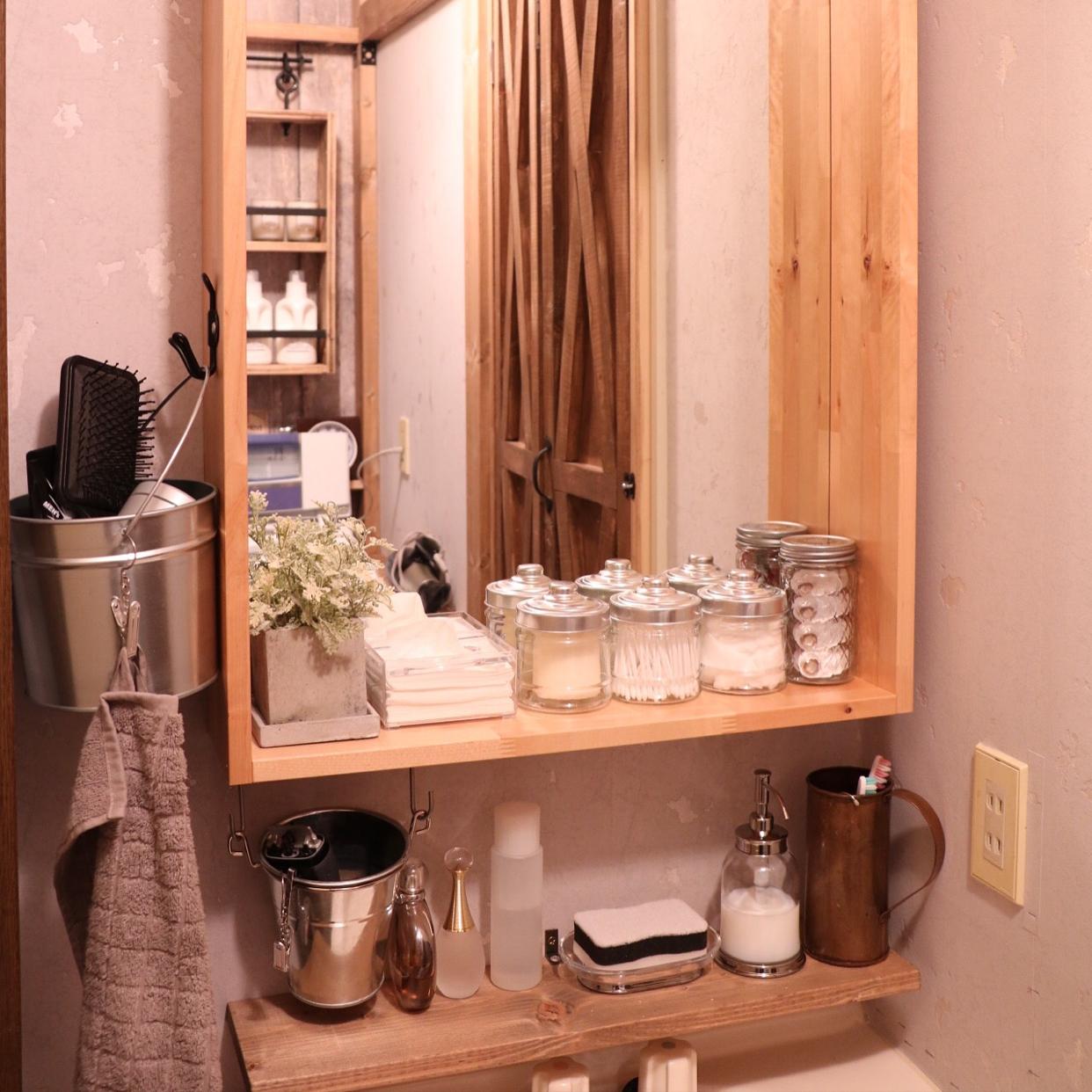 洗面台をもっと機能的に!DIY&便利アイテムまとめ | RoomClip mag | 暮らしとインテリアのwebマガジン