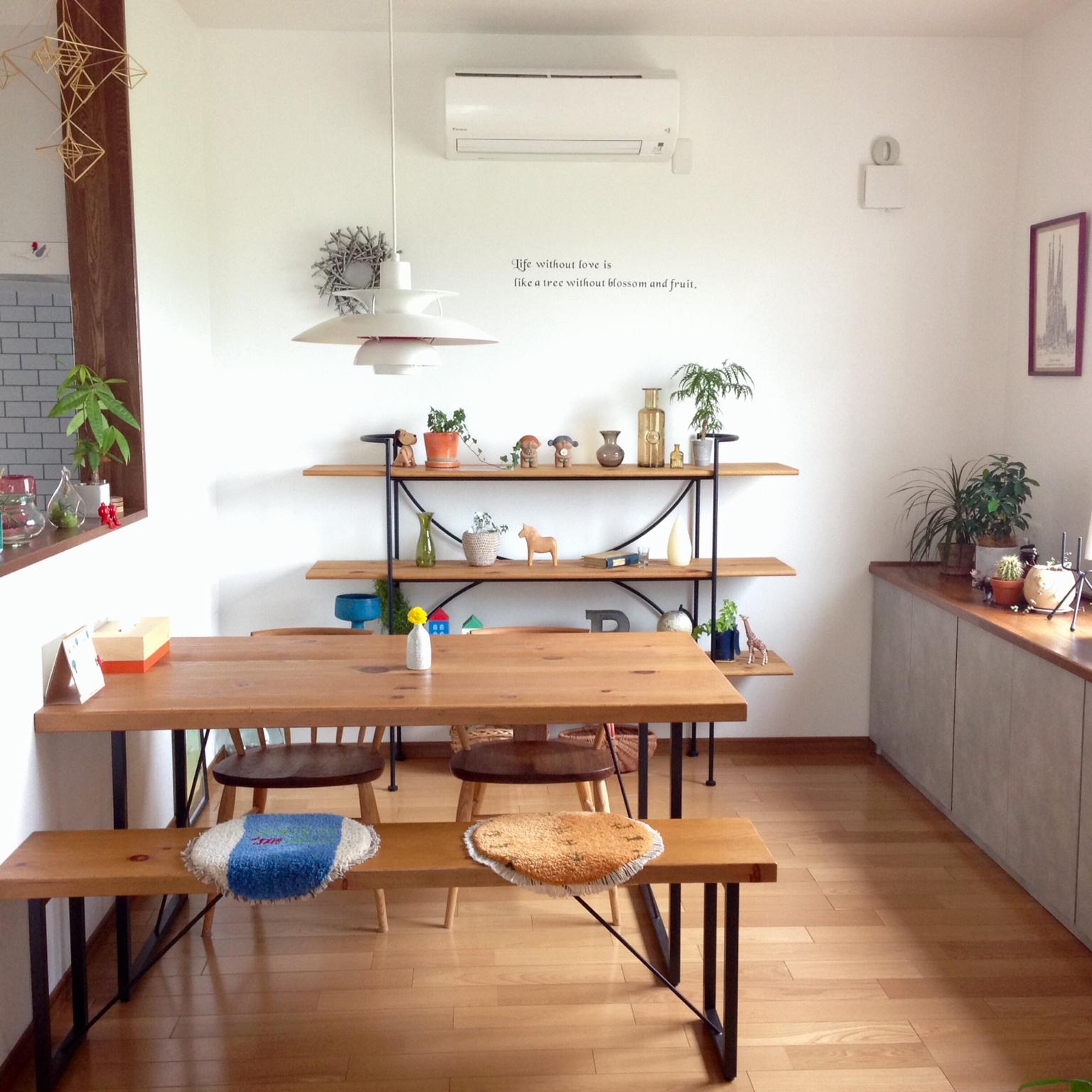 お家はギャラリー♪大好きな北欧雑貨を飾って楽しむヒント | RoomClip mag | 暮らしとインテリアのwebマガジン