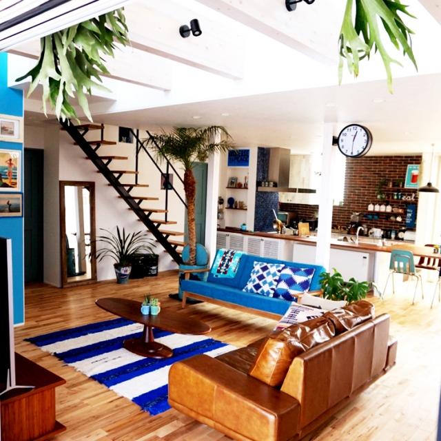 「海と潮風を感じる開放的な暮らし。青で魅せるカリフォルニアスタイルの住まい」 お宅訪問 dorazenさん | RoomClip mag | 暮らしとインテリアのwebマガジン