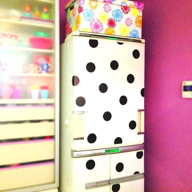 水玉模様の何かコンテストで「やよい賞」になった冷蔵庫