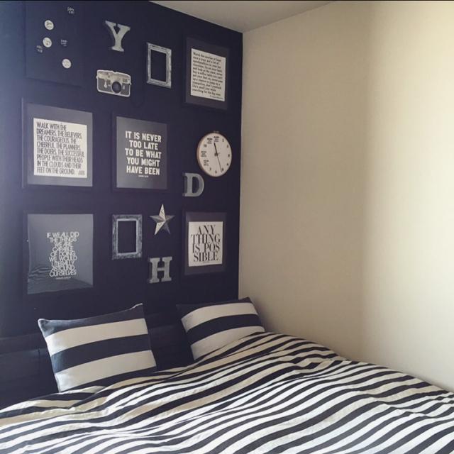 モノトーンテイストに、ウォールデコでアクセントを! | RoomClip mag | 暮らしとインテリアのwebマガジン