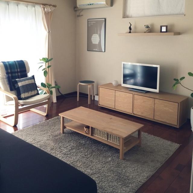 シンプルな大人部屋に合うTV台