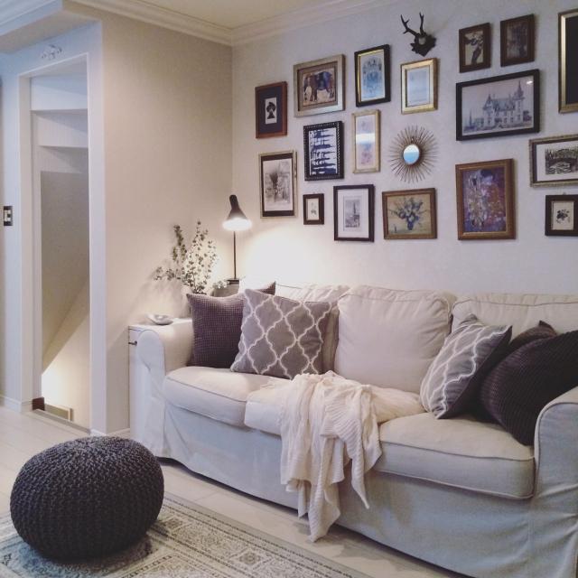 ②壁の空きスペースもアートディスプレイに活用する