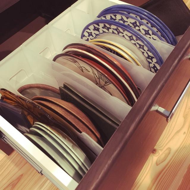 食器棚の引き出しの中に活用