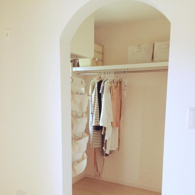 ミニマリストのクローゼットのぞいてみましょう! | RoomClip mag | 暮らしとインテリアのwebマガジン