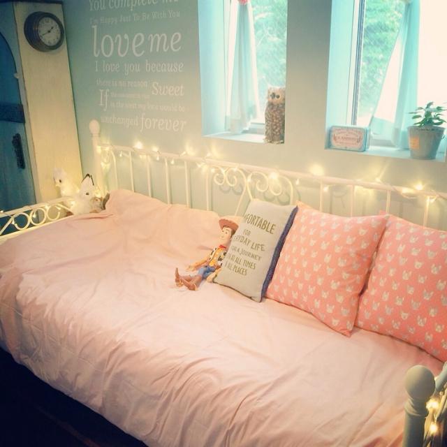 寝室を「イルミネーションライト」で幻想的な空間に演出☆ | RoomClip mag | 暮らしとインテリアのwebマガジン