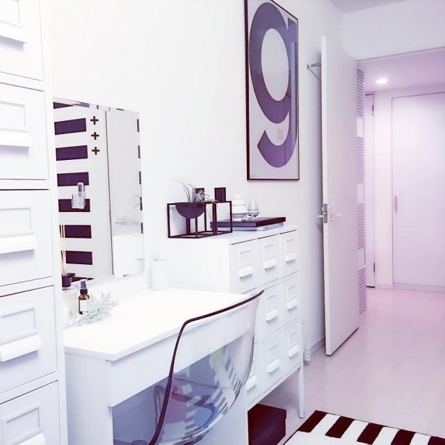 狭さを解決!スッキリカラー×アートで作る実用的収納スペース by Mi-naHiさん | RoomClip mag | 暮らしとインテリアのwebマガジン
