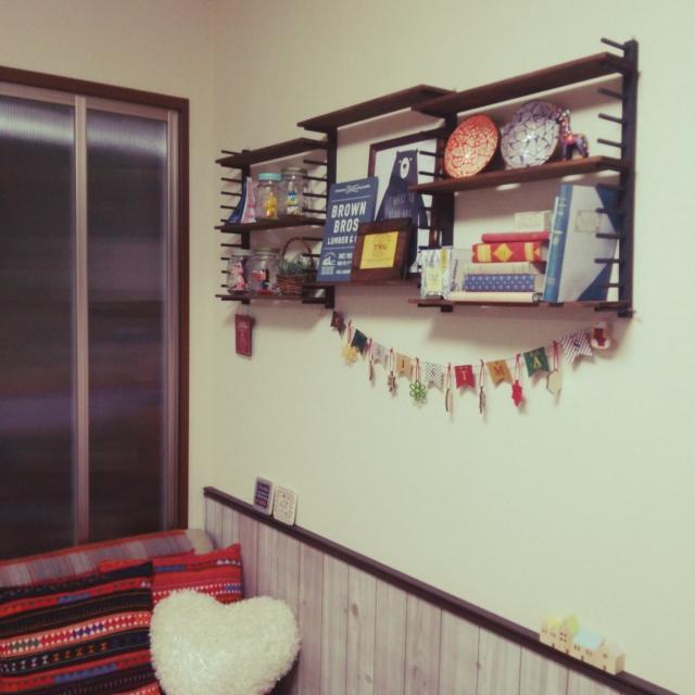 まるで大物家具のよう!!圧巻の飾り棚
