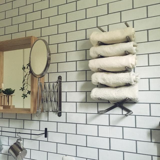 私きれい?IKEAのFRÄCKミラーで身支度を整えよう | RoomClip mag | 暮らしとインテリアのwebマガジン