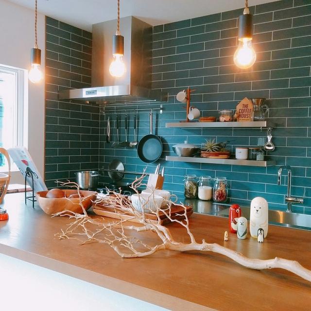 みんなの憧れ!タイル貼りのスタイリッシュキッチン | RoomClip mag | 暮らしとインテリアのwebマガジン