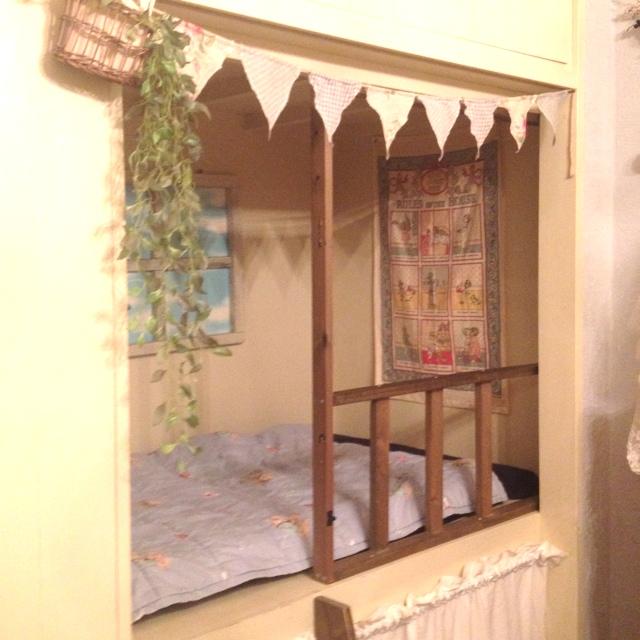 お姫様の押入れベッド