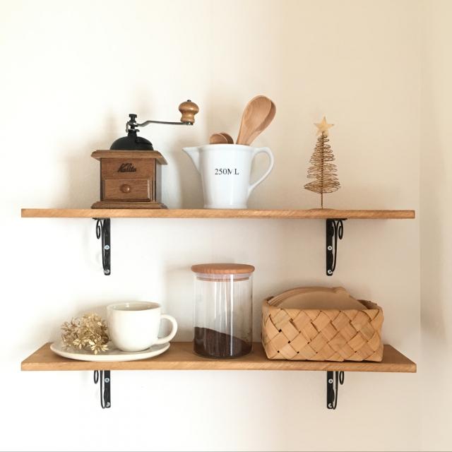 どんな風に作る?カフェグッズを収納するカフェコーナー