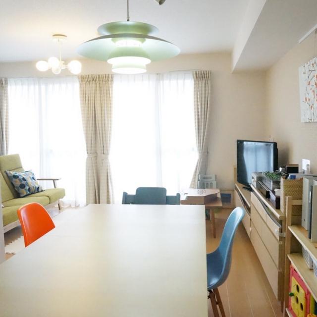みんなどうしてる?縦長リビングの家具配置&インテリア