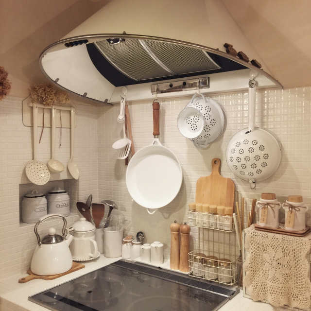かわいいキッチンツールは見せて収納