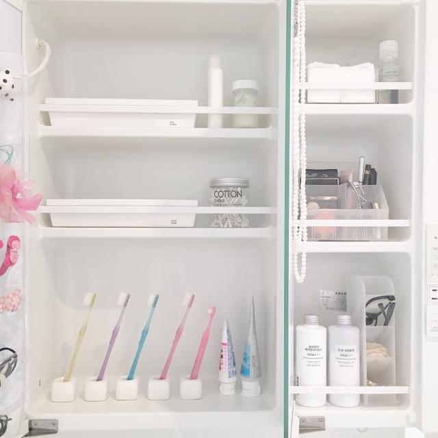 ホワイトインテリアに使える!白い100均アイテム10選 | RoomClip mag | 暮らしとインテリアのwebマガジン