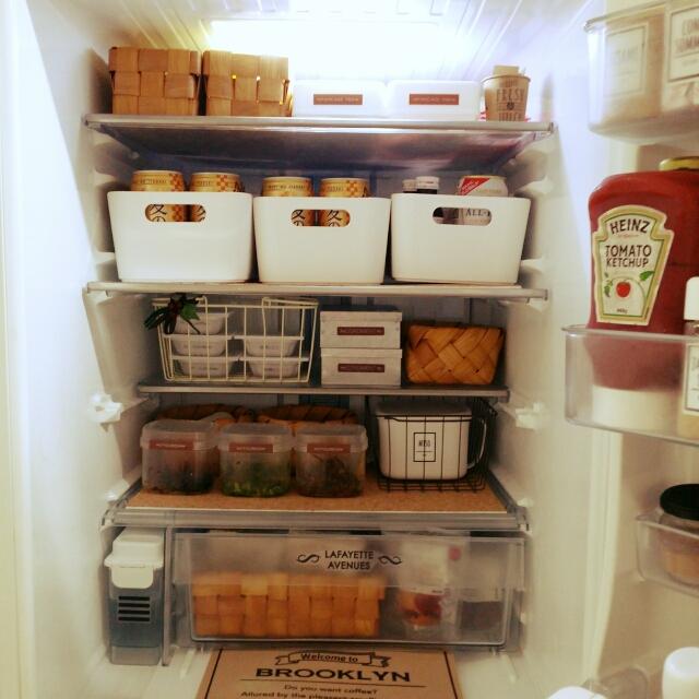 100均でできる!スッキリ&キレイな冷蔵庫収納アイデア | RoomClip mag | 暮らしとインテリアのwebマガジン