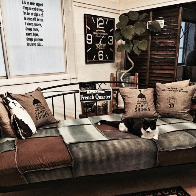 寝室の主役、どれにする?無印&ニトリで選ぶベッド | RoomClip mag | 暮らしとインテリアのwebマガジン