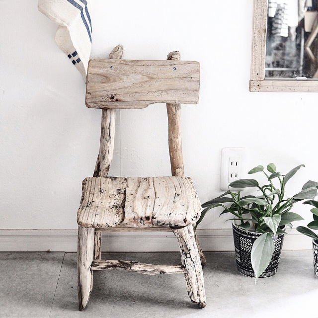 流木インテリアのあるアートな部屋10選 | RoomClip mag | 暮らしとインテリアのwebマガジン
