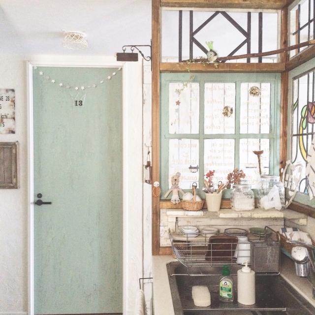 憧れの海外風の格子窓をつけてみませんか?リメイク&DIY