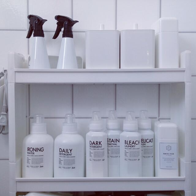 洗濯が楽しい!mon・o・toneのボトル&ラベルのある洗面所   RoomClip mag   暮らしとインテリアのwebマガジン