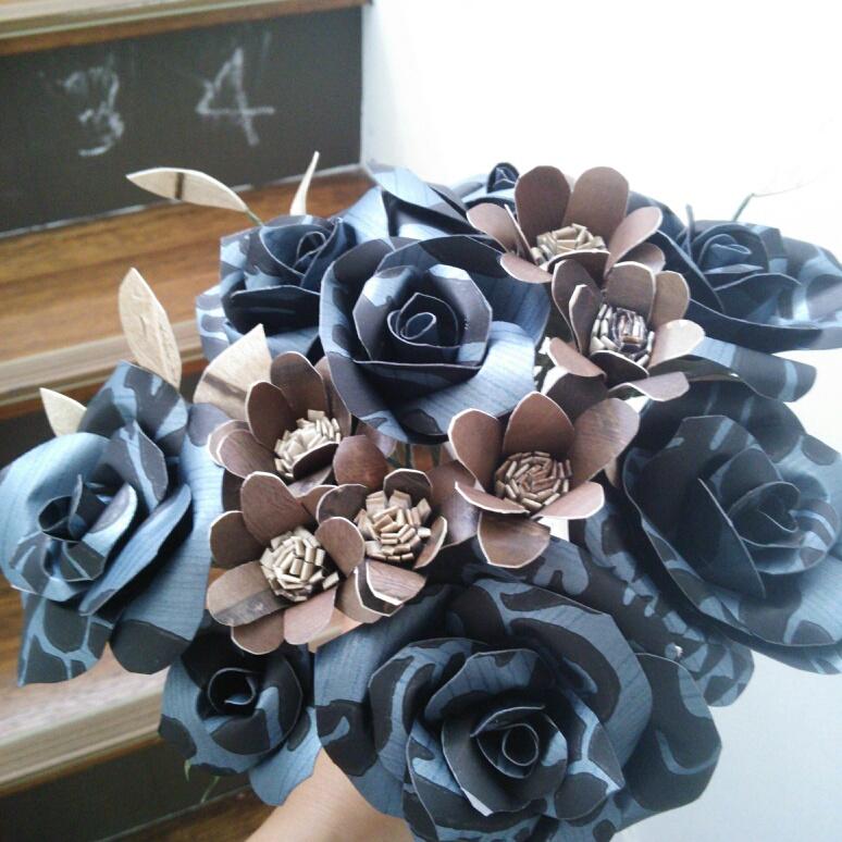 壁紙で作った造花