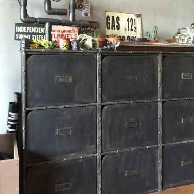 とっても便利!!ニトリの扉付きカラーボックスをリメイク | RoomClip mag | 暮らしとインテリアのwebマガジン