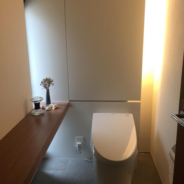 落ち着いたトーンの癒しトイレ