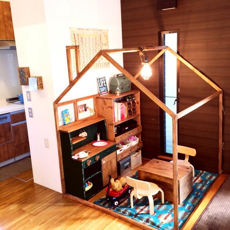 リビングに秘密基地!?子供が喜ぶキッズスペースの作り方 | RoomClip mag | 暮らしとインテリアのwebマガジン